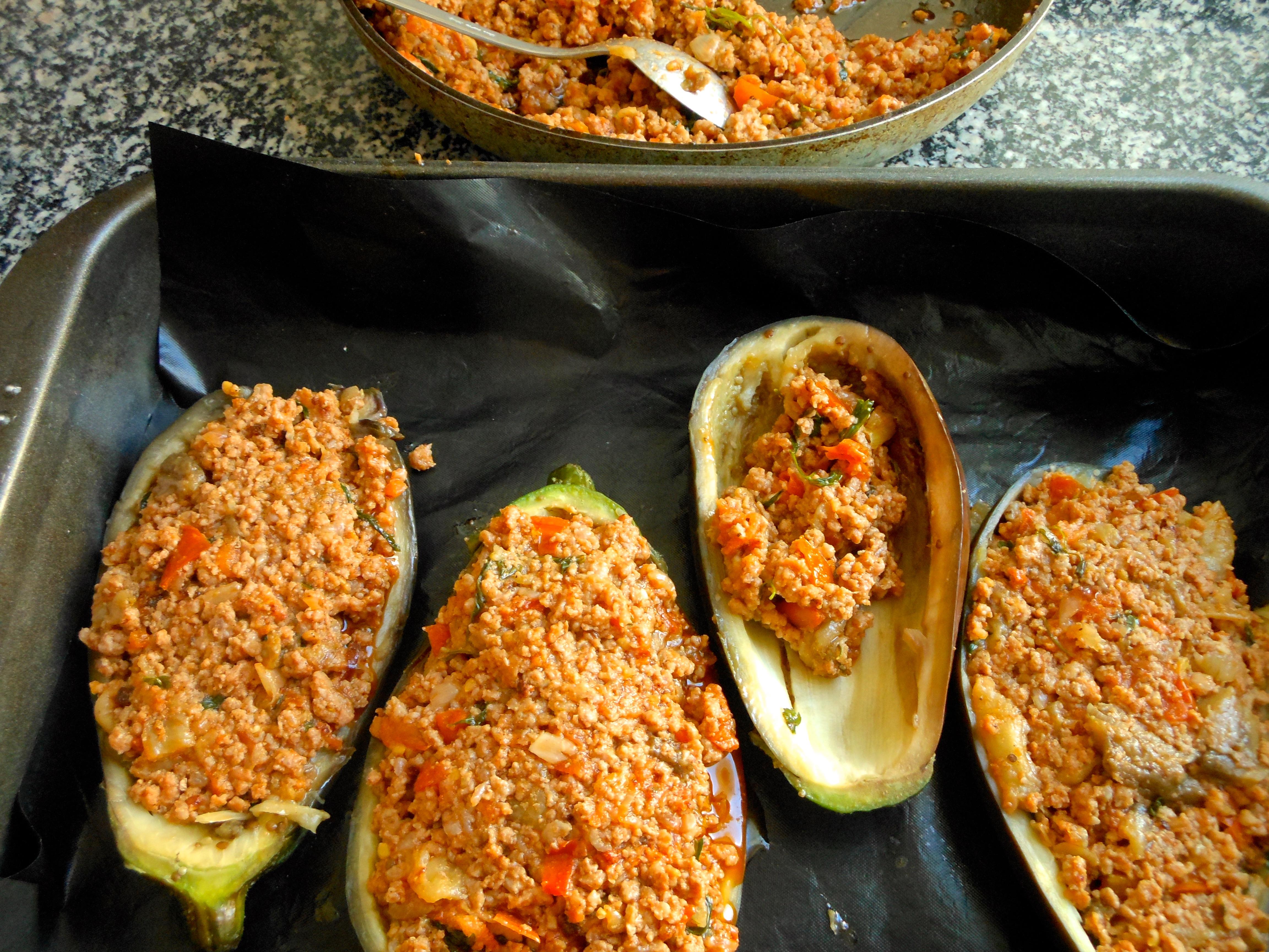 Berenjenas rellenas con carne picada mil recetas - Berenjena rellena al horno ...