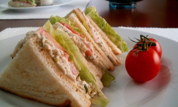 Sandwich de Pollo tipo Club