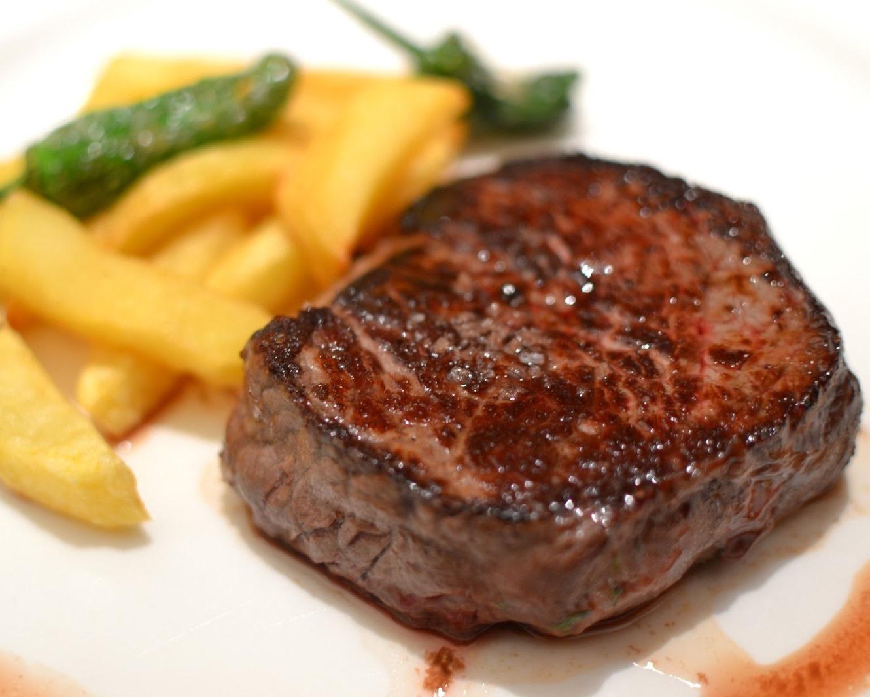 Solomillo de ternera en salsa de naranja deliciosa mil - Como preparar un solomillo de cerdo al horno ...
