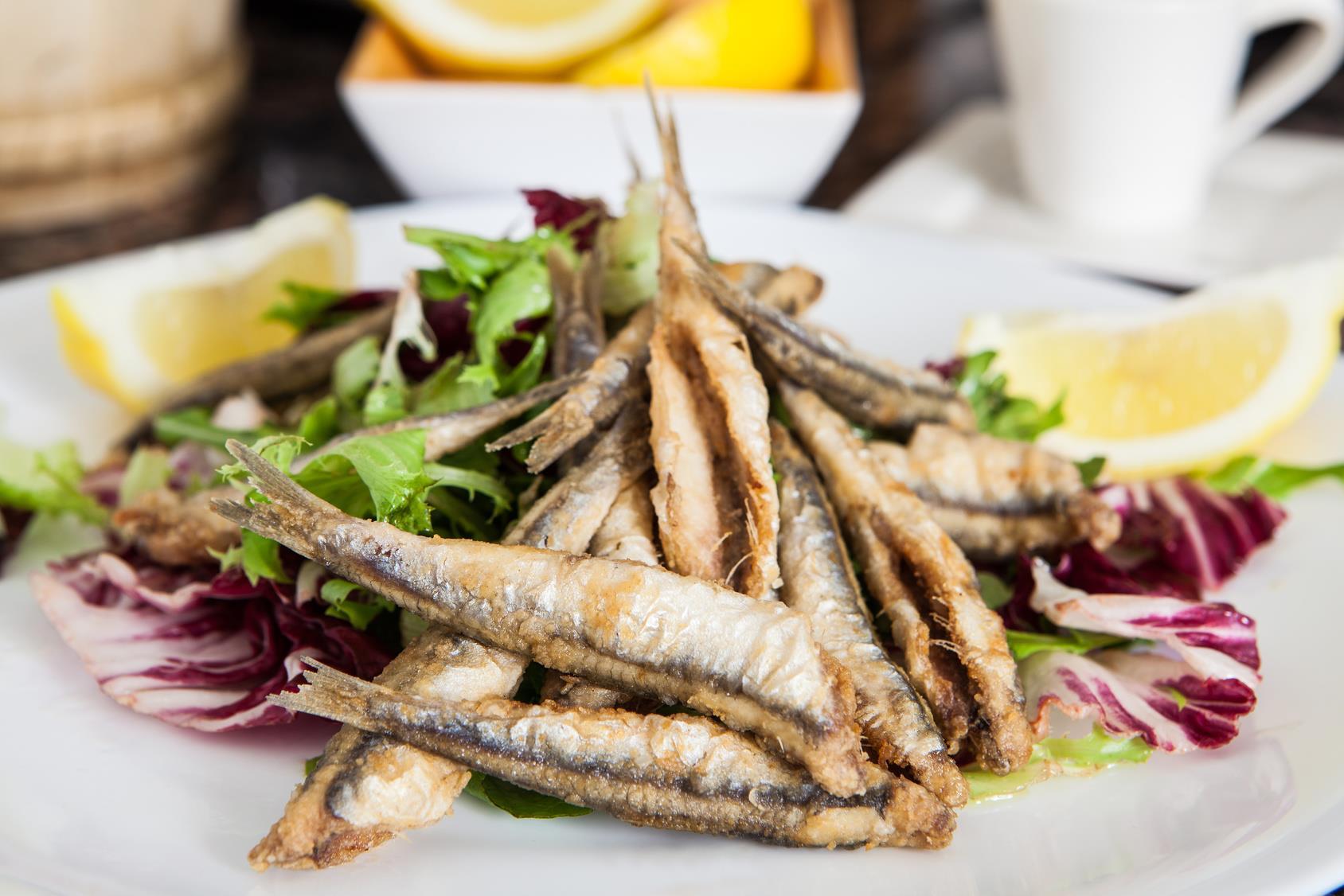 Anchoas fritas: 2 deliciosas formas de hacerlas