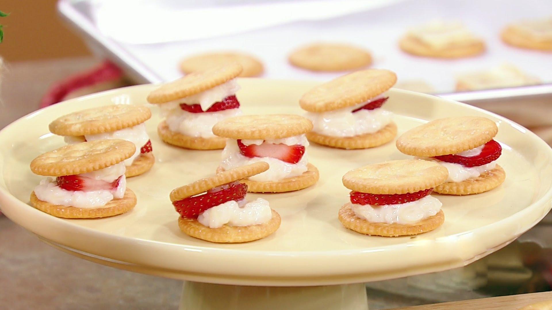 Cocina f cil tres recetas de aperitivos dulces para for Videos de cocina facil