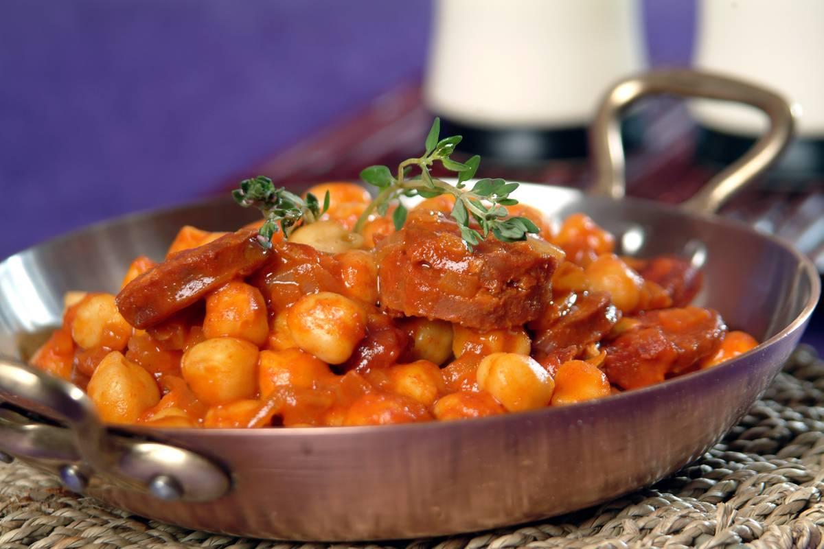 Garbanzos con tomate una delicia para tu paladar for Cocinar garbanzos con chorizo